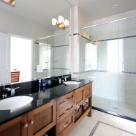 Uniform-Developments-The_Avenues-bathroom